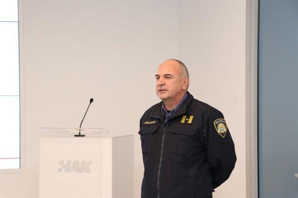hak-predstavio-projekt-unaprjeenja-vozakih-ispita005